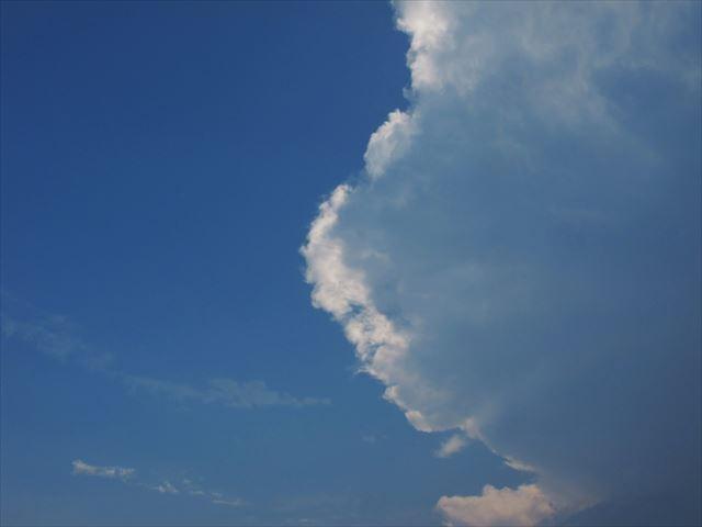 豪雨直前の雲