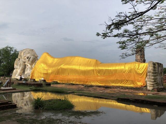 タイ・アユタヤ涅槃仏